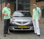 Mike en Peter met Daciast polo